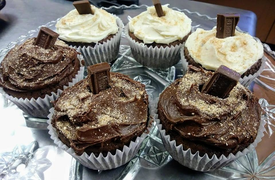 Cup cakes at Novellas Bistro